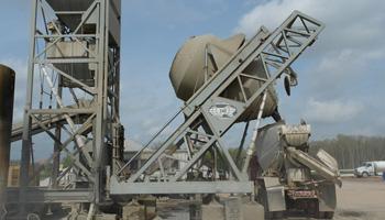 Central-mixed concrete plant