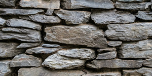 Dry rubble masonry