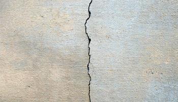Vertical Cracks on Walls